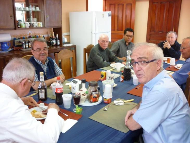 Almuerzo con Padre Provincial 002