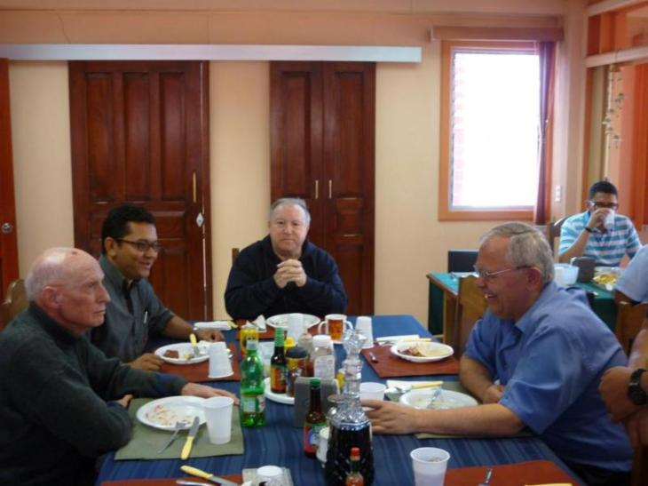 Almuerzo con Padre Provincial 003_800x600