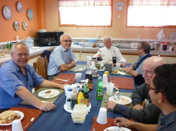 Almuerzo con Padre Provincial 005_800x600