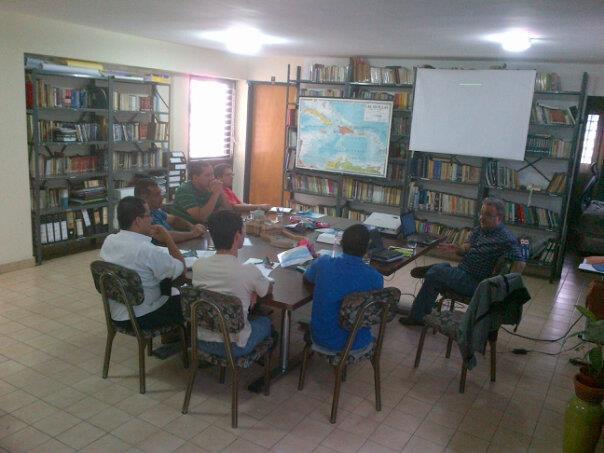 El P: Rodolfo Robert en un Seminario sobre Ministerio Escolapio con los juniores de Caracas.