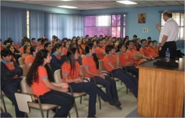 Con los alumnos del último curso del colegio