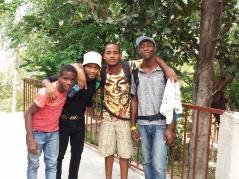 S. Santa Haití. (25)